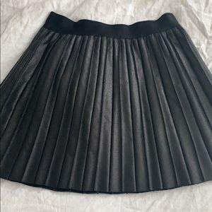 Medium pleated pleather A-line skirt